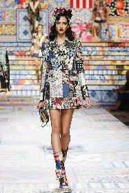 https://www.ragusanews.com//immagini_articoli/02-10-2020/1601633816-patchwork-sicilia-la-nuova-collezione-dolce-gabbana-foto-1-280.jpg