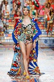 https://www.ragusanews.com//immagini_articoli/02-10-2020/1601633939-patchwork-sicilia-la-nuova-collezione-dolce-gabbana-foto-1-280.jpg
