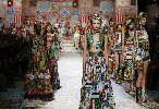 https://www.ragusanews.com//immagini_articoli/02-10-2020/patchwork-sicilia-la-nuova-collezione-dolce-gabbana-foto-100.jpg