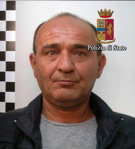 http://www.ragusanews.com//immagini_articoli/02-11-2015/spacciatore-tenta-di-ingoiare-la-cocaina-arrestato-500.jpg