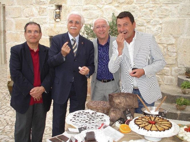 https://www.ragusanews.com//immagini_articoli/02-11-2018/professor-giorgio-calabrese-chocomodica-500.jpg