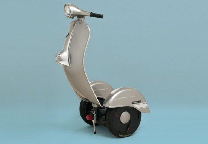 https://www.ragusanews.com//immagini_articoli/02-11-2018/zero-scooter-segway-vespa-500.jpg