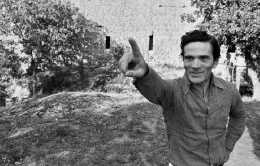 https://www.ragusanews.com//immagini_articoli/02-11-2019/e-pasolini-disse-in-sicilia-vorrei-morire-non-di-pace-ma-di-gioia-240.jpg