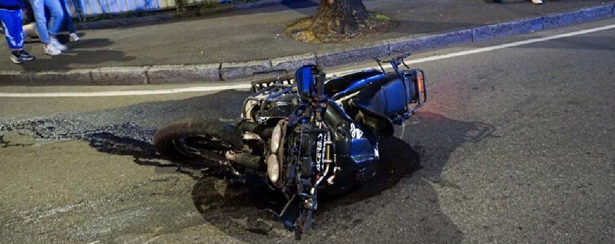 https://www.ragusanews.com//immagini_articoli/02-11-2019/scicli-moto-auto-grave-un-45enne-500.jpg