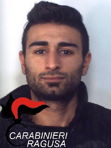https://www.ragusanews.com//immagini_articoli/02-12-2015/droga-arrestato-giuseppe-iacono-500.jpg