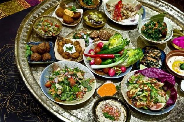 https://www.ragusanews.com//immagini_articoli/03-01-2017/foodies-quando-cibo-diventa-protagonista-vacanza-420.jpg