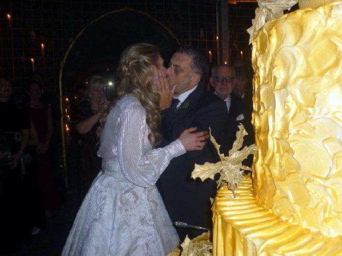 https://www.ragusanews.com//immagini_articoli/03-01-2018/sposata-beatrice-grimaldi-serravalle-500.jpg
