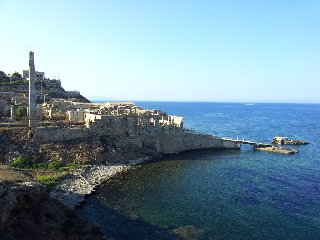 http://www.ragusanews.com//immagini_articoli/03-01-2018/tonnara-portopalo-diventa-resort-240.jpg