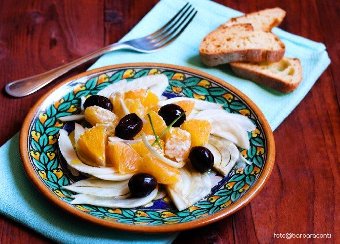 https://www.ragusanews.com//immagini_articoli/03-01-2019/insalata-arance-finocchi-depurativa-leggera-500.jpg