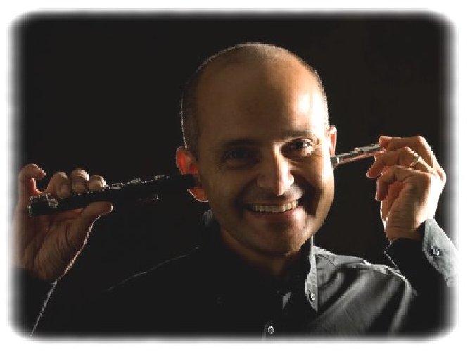 https://www.ragusanews.com//immagini_articoli/03-01-2020/maurizio-simeoli-in-concerto-a-vittoria-500.jpg