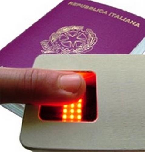 https://www.ragusanews.com//immagini_articoli/03-02-2011/alla-questura-di-ragusa-il-passaporto-online-500.jpg