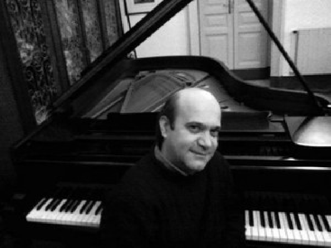 http://www.ragusanews.com//immagini_articoli/03-02-2016/raffale-terlizzi-in-concerto-a-scicli-500.jpg