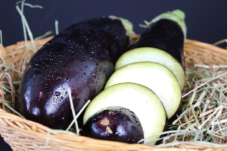 https://www.ragusanews.com//immagini_articoli/03-02-2020/dimagrire-con-la-dieta-viola-the-purple-diet-500.jpg