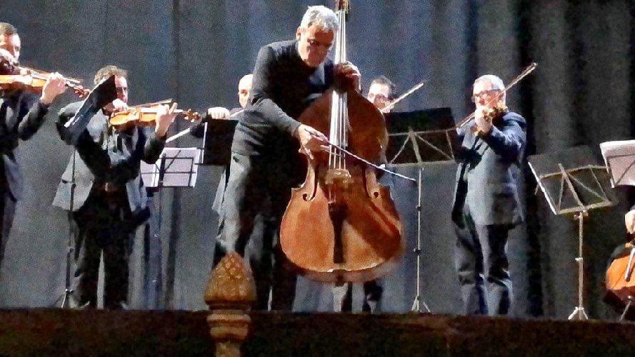 https://www.ragusanews.com//immagini_articoli/03-02-2020/passioni-amorose-rustica-de-la-sonnambula-a-ragusa-500.jpg
