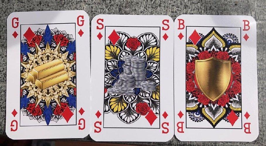 https://www.ragusanews.com//immagini_articoli/03-02-2021/1612343858-il-nuovo-mazzo-di-carte-che-rispetta-la-parita-di-genere-foto-3-500.jpg