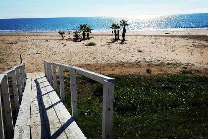 https://www.ragusanews.com//immagini_articoli/03-02-2021/1612345462-pozzallo-zona-blu-lo-splendido-mare-d-inverno-foto-video-1-280.jpg