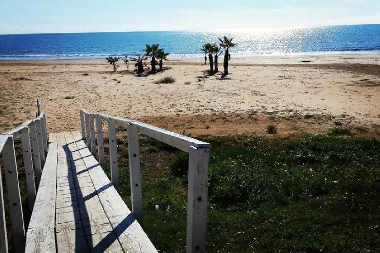 https://www.ragusanews.com//immagini_articoli/03-02-2021/1612345462-pozzallo-zona-blu-lo-splendido-mare-d-inverno-foto-video-1-500.jpg