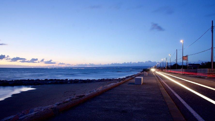 https://www.ragusanews.com//immagini_articoli/03-02-2021/1612345463-pozzallo-zona-blu-lo-splendido-mare-d-inverno-foto-video-4-500.jpg