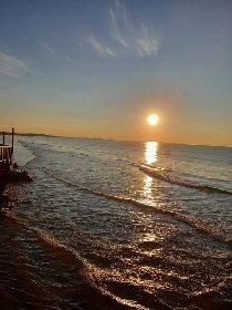 https://www.ragusanews.com//immagini_articoli/03-02-2021/1612345464-pozzallo-zona-blu-lo-splendido-mare-d-inverno-foto-video-5-280.jpg