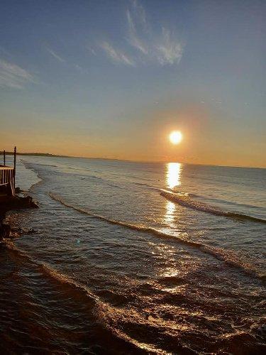 https://www.ragusanews.com//immagini_articoli/03-02-2021/1612345464-pozzallo-zona-blu-lo-splendido-mare-d-inverno-foto-video-5-500.jpg