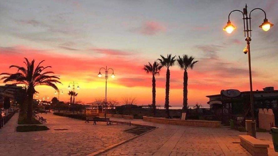 https://www.ragusanews.com//immagini_articoli/03-02-2021/1612345464-pozzallo-zona-blu-lo-splendido-mare-d-inverno-foto-video-6-500.jpg