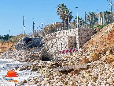 https://www.ragusanews.com//immagini_articoli/03-02-2021/1612381570-spiaggia-di-caucana-cronaca-di-un-crollo-annunciato-6-280.jpg