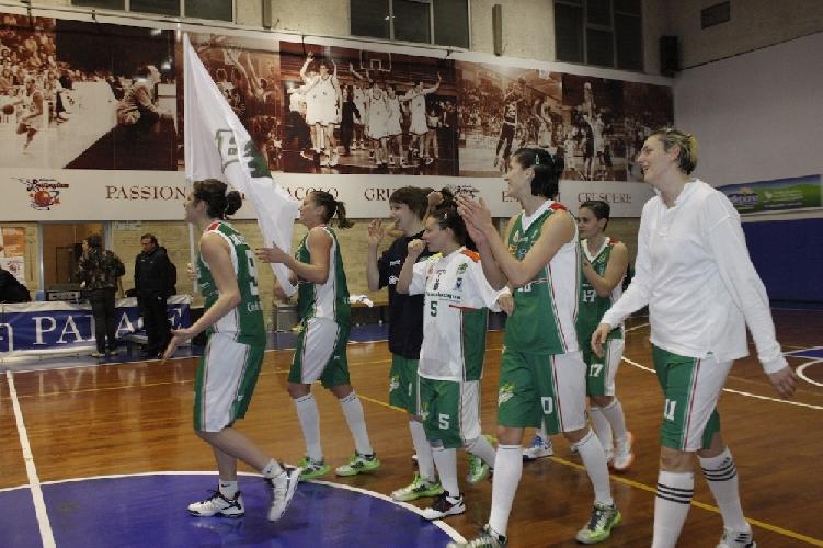 https://www.ragusanews.com//immagini_articoli/03-03-2013/basket-la-passalacqua-ragusa-promossa-in-a1-500.jpg