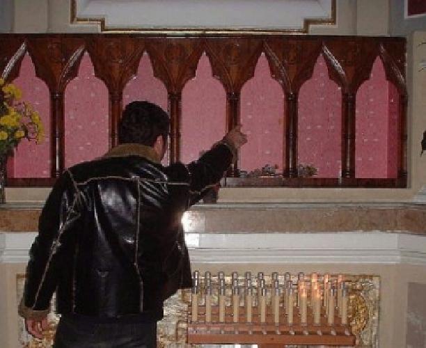 http://www.ragusanews.com//immagini_articoli/03-03-2014/lo-stalker-perseguita-la-sua-ex-sino-in-chiesa-500.jpg