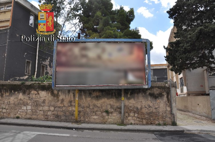 https://www.ragusanews.com//immagini_articoli/03-03-2018/cartelloni-abusivi-sanzioni-controlli-comiso-500.jpg