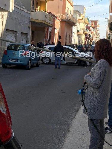 https://www.ragusanews.com//immagini_articoli/03-03-2019/colto-malore-muore-incidente-stradale-pozzallo-500.jpg