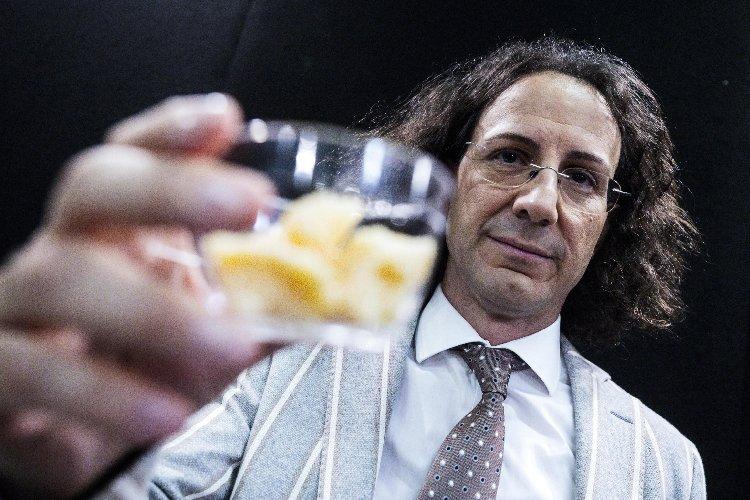 https://www.ragusanews.com//immagini_articoli/03-03-2020/dieta-che-allunga-la-vita-a-120-anni-processo-a-panzironi-500.jpg