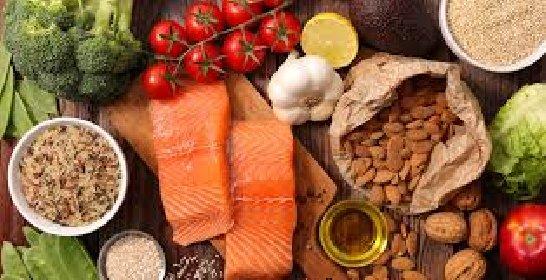 https://www.ragusanews.com//immagini_articoli/03-03-2021/la-dieta-mediterranea-aiuta-il-cervello-e-combatte-i-disturbi-cognitivi-280.jpg