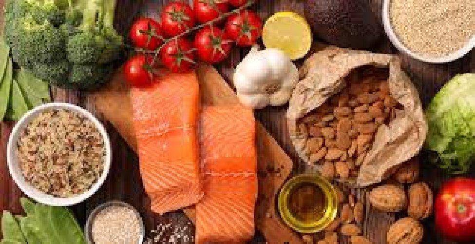 https://www.ragusanews.com//immagini_articoli/03-03-2021/la-dieta-mediterranea-aiuta-il-cervello-e-combatte-i-disturbi-cognitivi-500.jpg