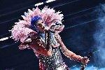 https://www.ragusanews.com//immagini_articoli/03-03-2021/sanremo-2021-i-look-dei-cantanti-sul-palco-dell-ariston-100.jpg
