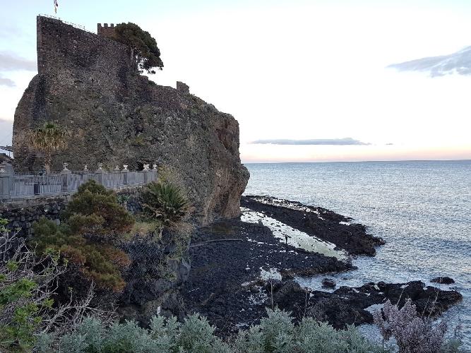 http://www.ragusanews.com//immagini_articoli/03-04-2017/arrestato-maniaco-castello-500.jpg