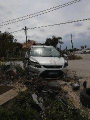 https://www.ragusanews.com//immagini_articoli/03-04-2020/auto-trattore-a-donnalucata-240.jpg