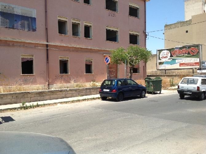 http://www.ragusanews.com//immagini_articoli/03-05-2014/si-recupera-il-ferrotel-di-vittoria-500.jpg