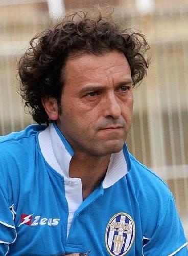 http://www.ragusanews.com//immagini_articoli/03-05-2016/pino-rigoli-miglior-allenatore-dell-anno-500.jpg