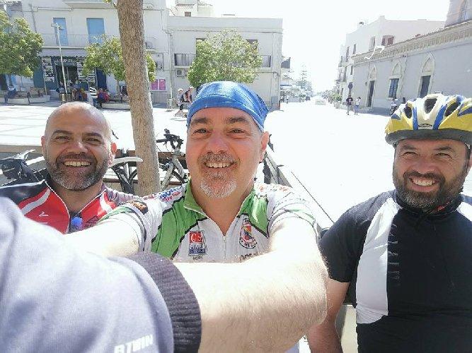https://www.ragusanews.com//immagini_articoli/03-05-2019/da-modica-in-puglia-in-bici-500.jpg