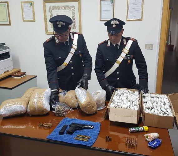 https://www.ragusanews.com//immagini_articoli/03-05-2019/il-pozzallese-con-droga-armi-ed-esplosivo-500.jpg