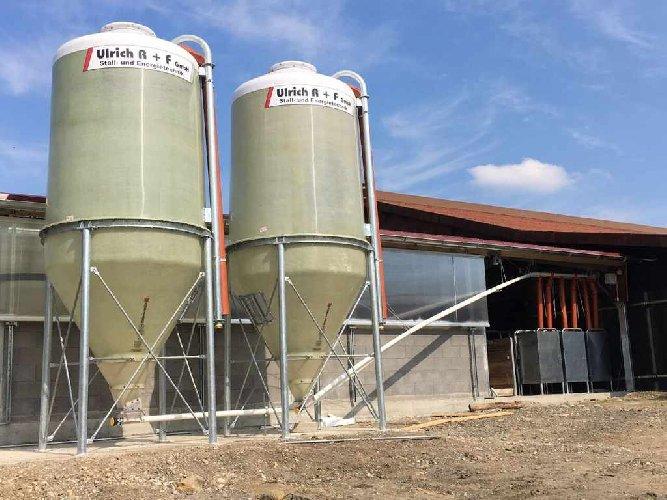 https://www.ragusanews.com//immagini_articoli/03-05-2019/ragusa-44enne-cade-dentro-un-silos-e-gravissimo-500.jpg
