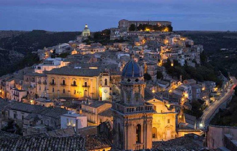 https://www.ragusanews.com//immagini_articoli/03-05-2019/ragusa-su-sky-arte-hd-ciccio-barone-stanza-40-mila-euro-500.jpg