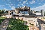 https://www.ragusanews.com//immagini_articoli/03-05-2021/nemini-teneri-nella-campagna-di-scicli-la-villa-a-basso-consumo-energetico-100.jpg