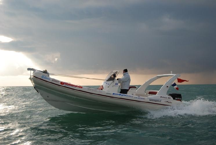 https://www.ragusanews.com//immagini_articoli/03-06-2014/bracco-a-marina-di-ragusa-sulle-rotte-della-speranza-500.jpg