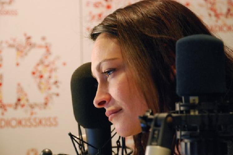 https://www.ragusanews.com//immagini_articoli/03-06-2014/stefania-lillo-ospite-radiofonica-di-monsterchef-500.jpg