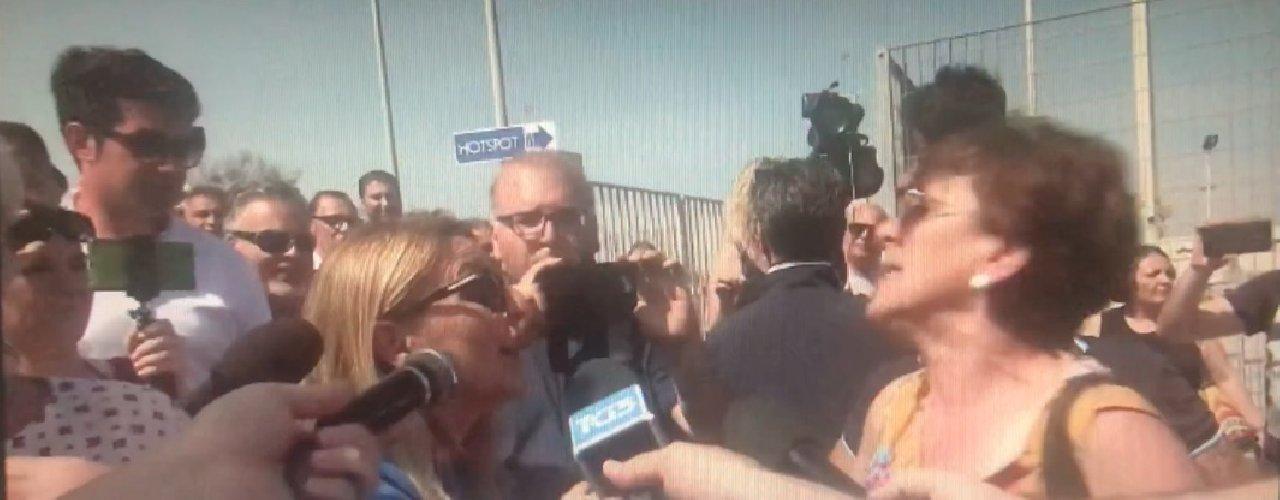 https://www.ragusanews.com//immagini_articoli/03-06-2018/pozzallo-salvini-diceva-siciliani-puzziamo-500.jpg