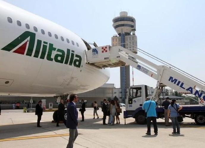 https://www.ragusanews.com//immagini_articoli/03-06-2020/da-oggi-alitalia-riprende-i-voli-per-catania-e-palermo-ecco-quali-500.jpg