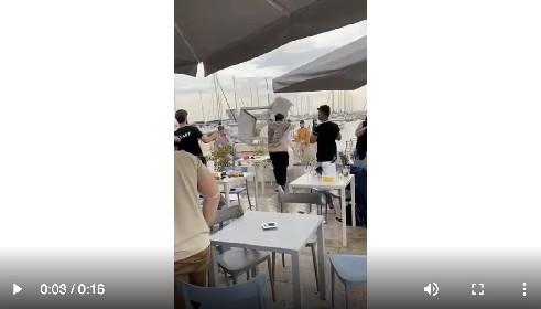 https://www.ragusanews.com//immagini_articoli/03-06-2021/rissa-a-marina-di-ragusa-era-meglio-il-lockdown-280.jpg