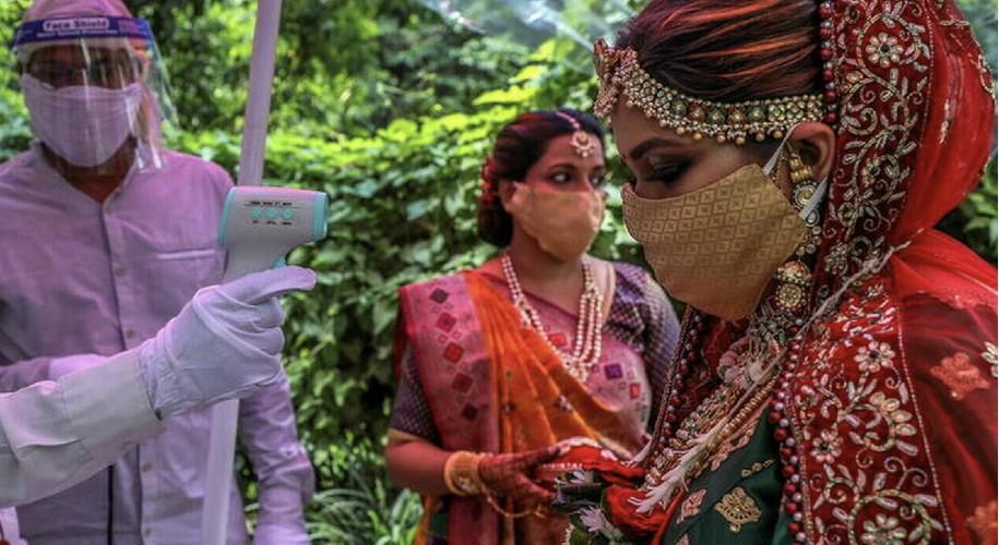 https://www.ragusanews.com//immagini_articoli/03-06-2021/sposa-muore-durante-le-nozze-e-viene-sostituita-dalla-sorella-500.jpg