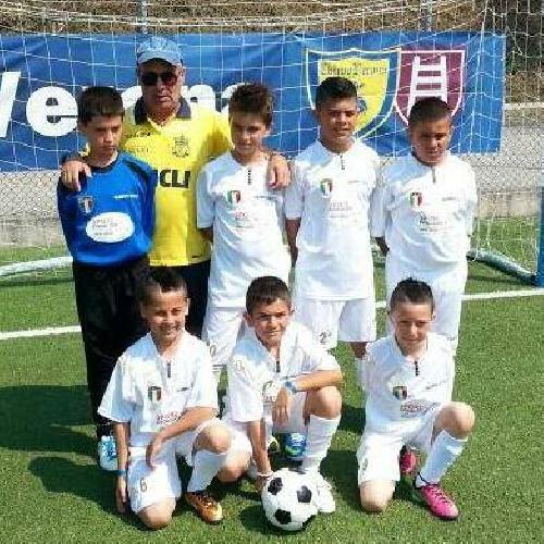 https://www.ragusanews.com//immagini_articoli/03-07-2013/calcio-i-pulcini-sciclitani-brillano-a-verona-500.jpg